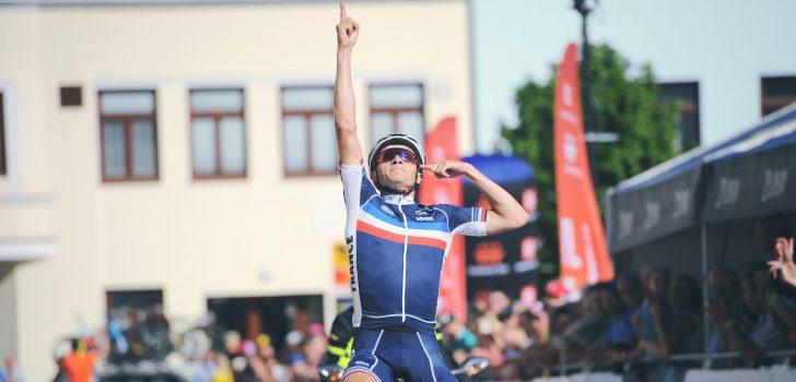 Axel Journiaux wint tweede etappe Vredeskoers voor beloften