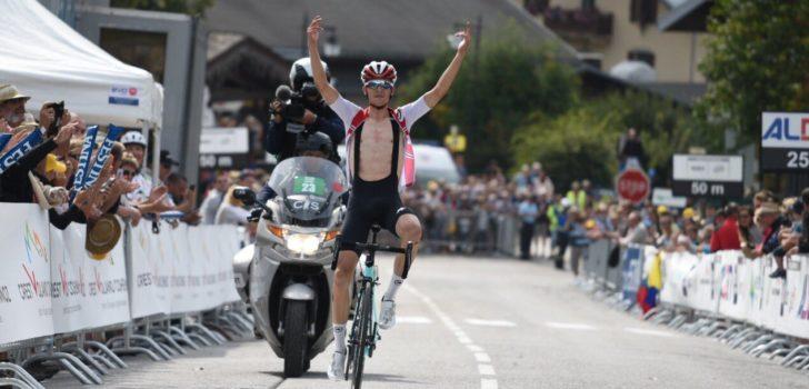 Zwitser Gino Mäder wint bergrit Tour de l'Avenir