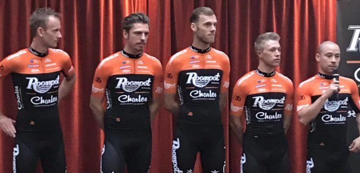 Wielertenues 2019: Shirt Roompot-Charles voor 2019 is oranje met zwart