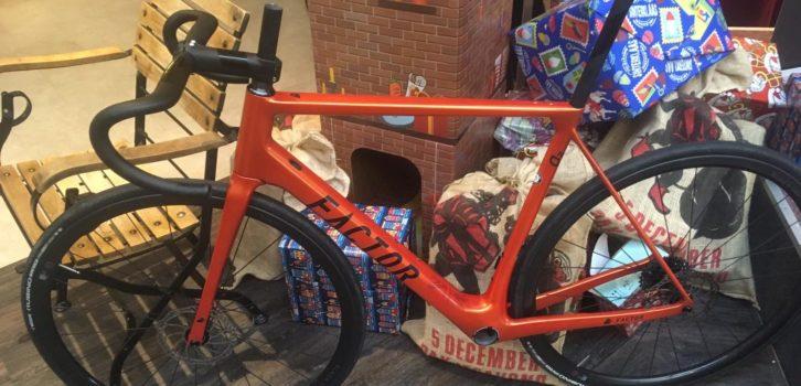 Zo zien de nieuwe fietsen van Roompot-Charles eruit