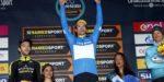 Opvallend beeld in Tirreno: Roglic krijgt verkeerde trui