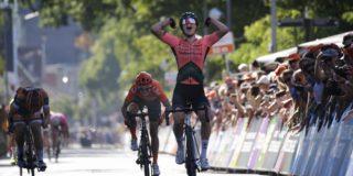 Lorena Wiebes weerstaat aanvallen en kroont zich tot Nederlands kampioen