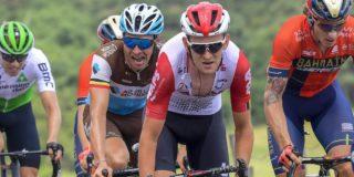 """Tiesj Benoot verliest sprint voor ritzege: """"De tweede is de eerste verliezer"""""""