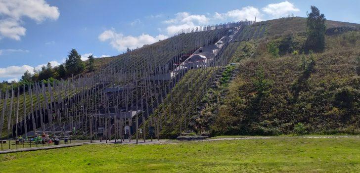 Ethias Cross pakt uit met klimwedstrijd op mijnterril