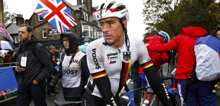 Degenkolb steunt toekomst Parijs-Roubaix met veiling WK-tenue