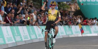 Primoz Roglic oppermachtig in Giro dell'Emilia