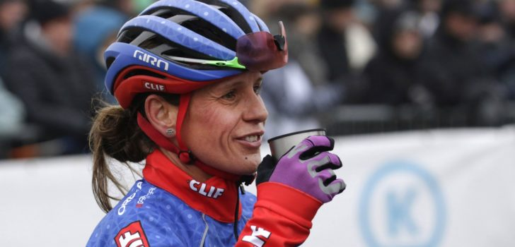 Onrust over veldrithervorming leidt tot unieke rennersmeeting in Tabor