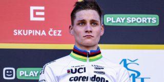 """Geëmotioneerde Van der Poel: """"Het was een heel emotionele week voor ons"""""""