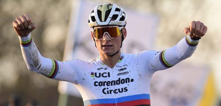 Van der Poel wacht veertig minuten, maar wint wederom makkelijk in Kortrijk