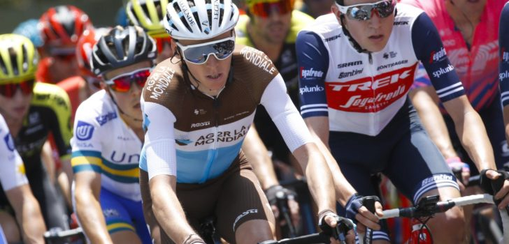 Materiaalpech kost Romain Bardet tijd in Tour Down Under