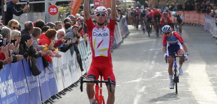 Vluchter Anthony Perez wint openingsetappe Tour du Var