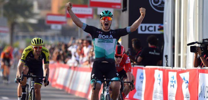 Pascal Ackermann wint opener UAE Tour, Groenewegen vierde