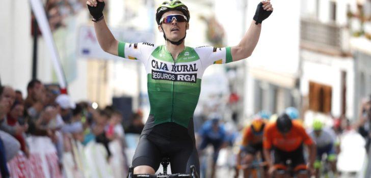 Gonzalo Serrano jumpt naar verrassende zege in Ruta del Sol